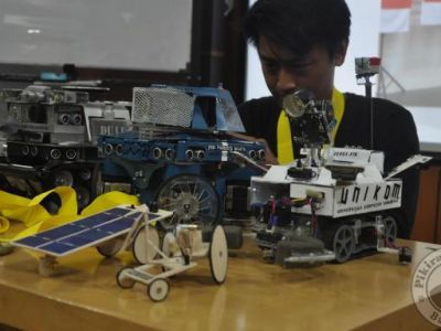 Tim Robotika Unikom Raih 8 Medali di The 12th Annual Robogames 2016