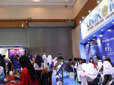 Unikom Turut Ramaikan Pameran Indonesia International Education & Training Expo 2018